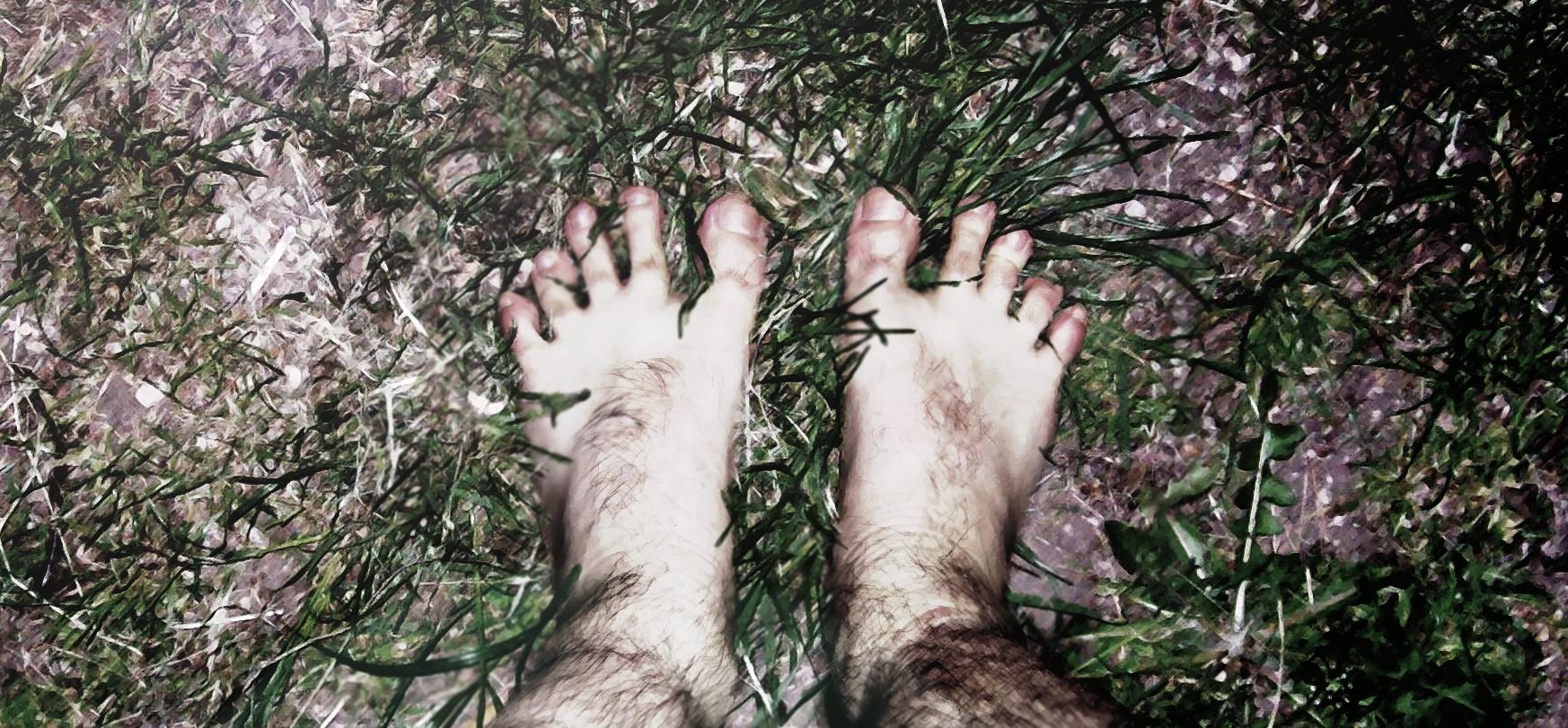 Hobbit_feet_by_LadyRosenr3d13